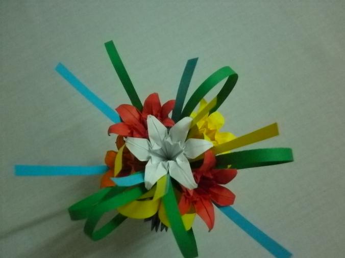 aranjament cu flori de crin